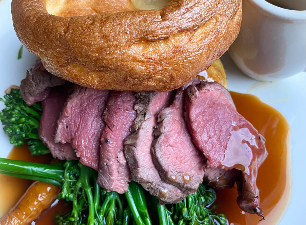 sunday roast at smiths bar and grill
