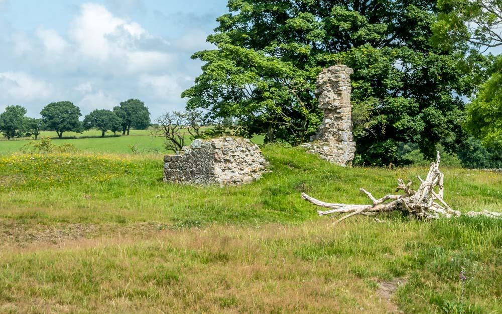 ruins john o gaunt castle