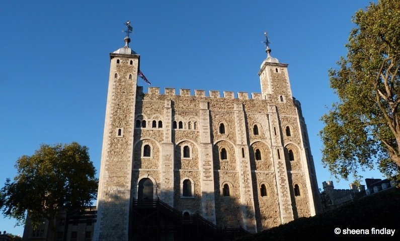 27.-The-White-Tower-in-late-afternoon-sunlight The Tower of London and the 100 year anniversary of the First World War