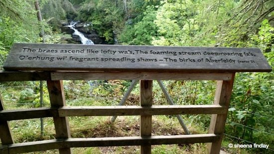 27.-Wooden-plaque-The-Birks-o'-Aberfeldy-The-Rob-Roy-Way-Sept-2014
