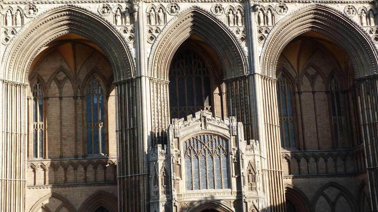 4.-A-closer-look1 Peterborough Cathedral – around and within