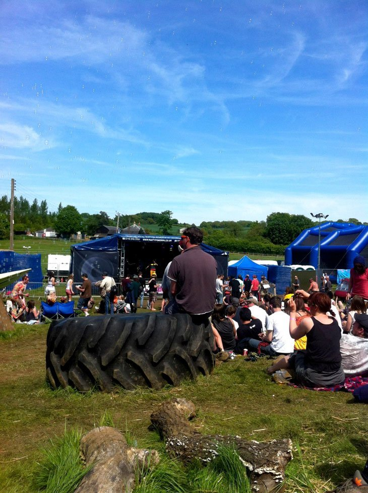64 Hogsozzle: The perfect Glasto warm-up – Sun, music and hog