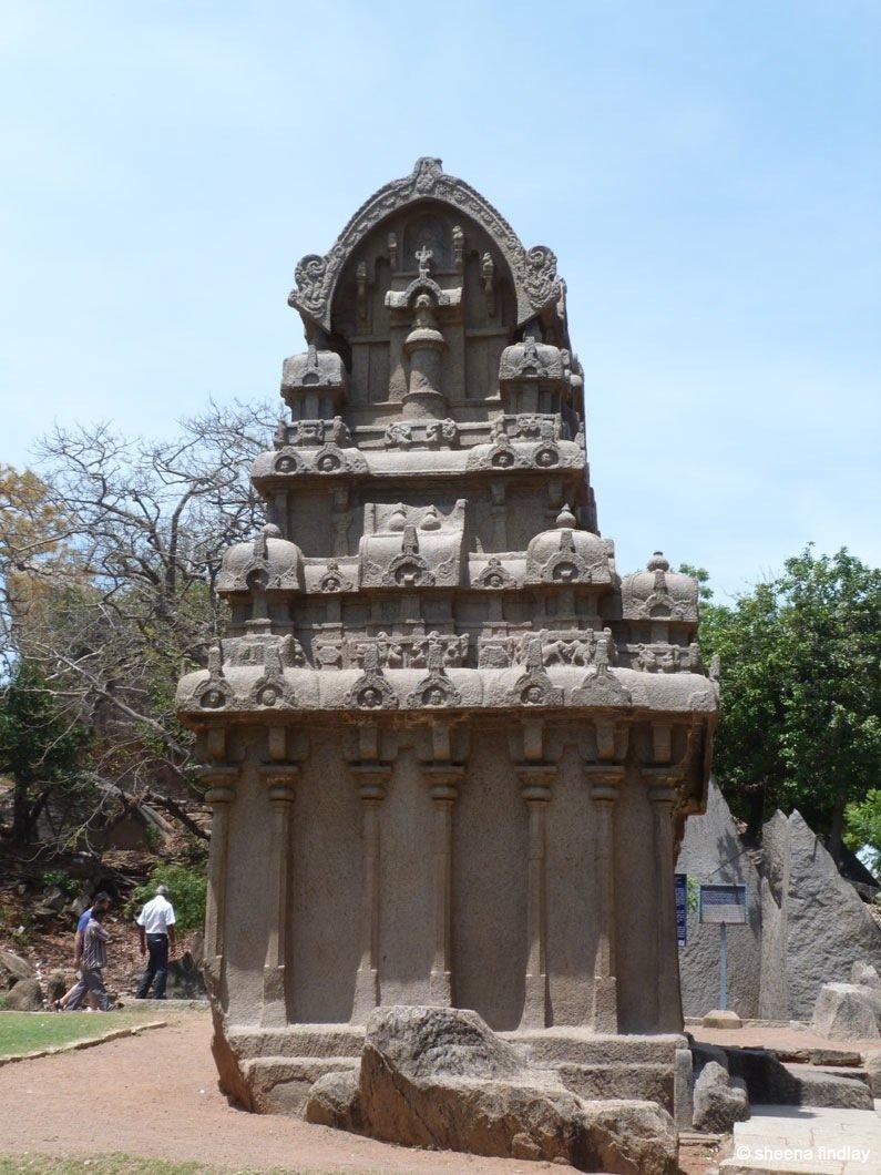 8.-F.R.1 India – The Stone carvings of Mamallapuram
