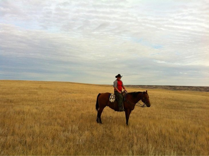 A3MN4aHCMAEftGb Canada – Riding Away From It All Over The Saskatchewan Prairie