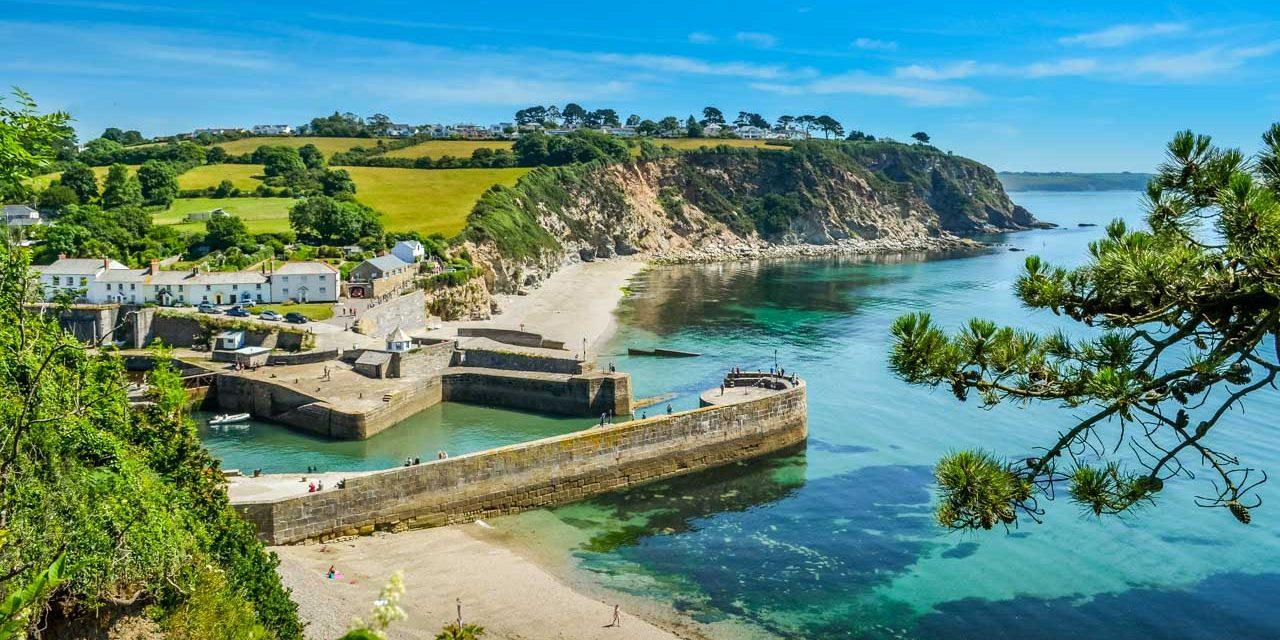 A Cornish Coastal Hike with Rugged Landscapes