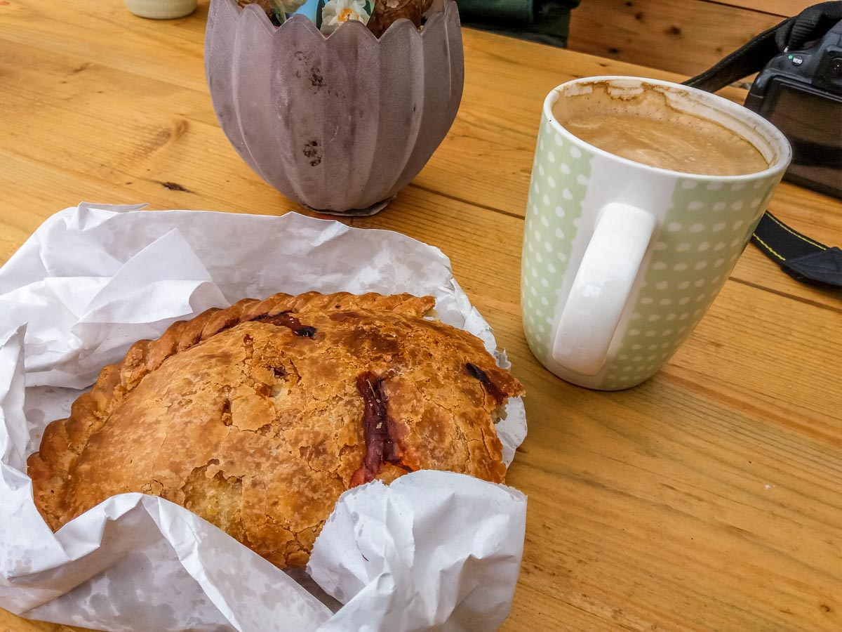 Cornish-Pasty-and-Coffee Cornwall – Walking the Coastal Path to Charlestown