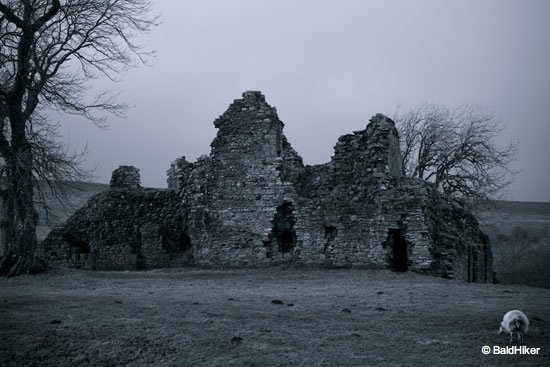 DSC00481 Pendragon Castle – Romantic ruin of Mallerstang