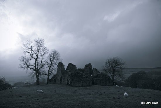 DSC00488 Pendragon Castle – Romantic ruin of Mallerstang