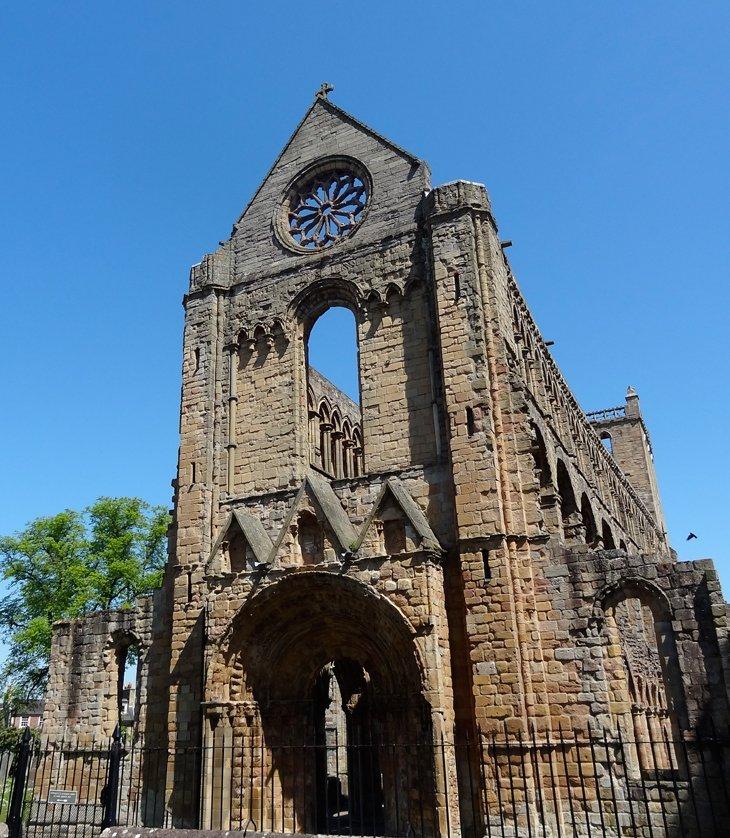 A Jolly Jaunt to Jedburgh Abbey Scotland