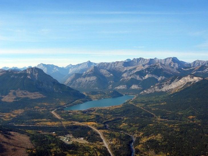 Canada – Heli-Yoga Above The Rockies 1