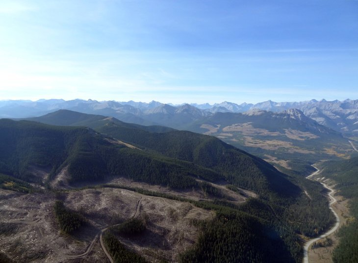 Canada – Heli-Yoga Above The Rockies