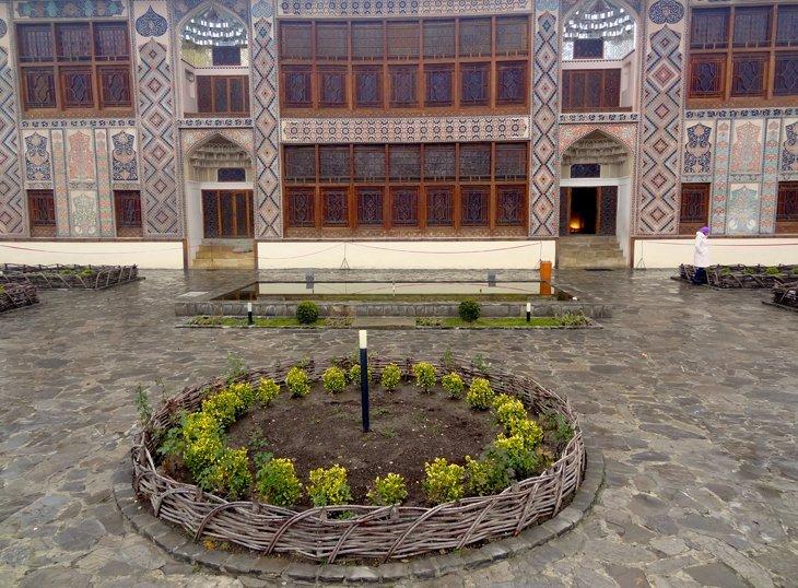 DSC03683 B Azerbaijan   Sheki Kahns Palace