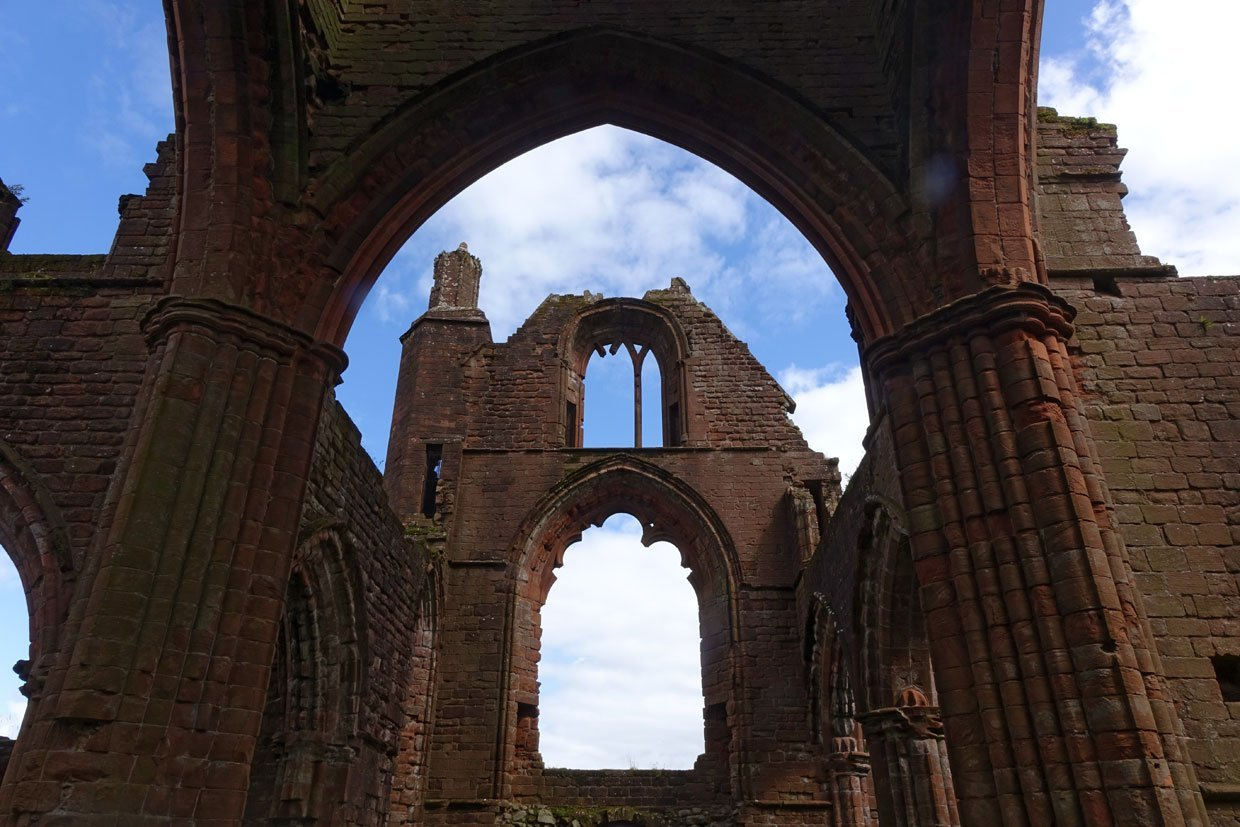 DSC05377 Sweetheart Abbey – Built in memory of true love