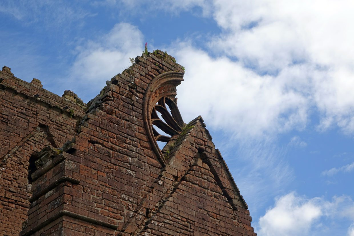 DSC05407 Sweetheart Abbey – Built in memory of true love