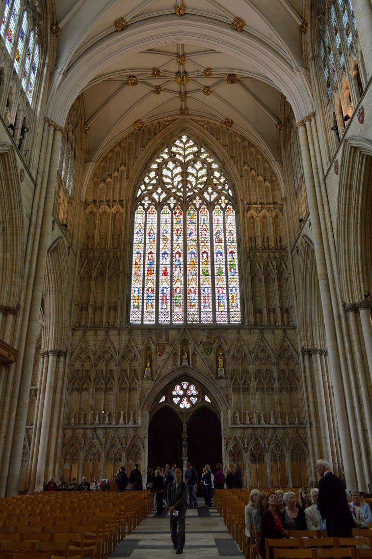 DSC 0249B York Minster   A Look Inside