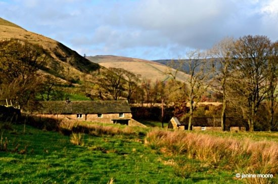 Dale-Head-Bunkhouse-Start-of-walk Dark Hills and Green Dales – An Edale walk