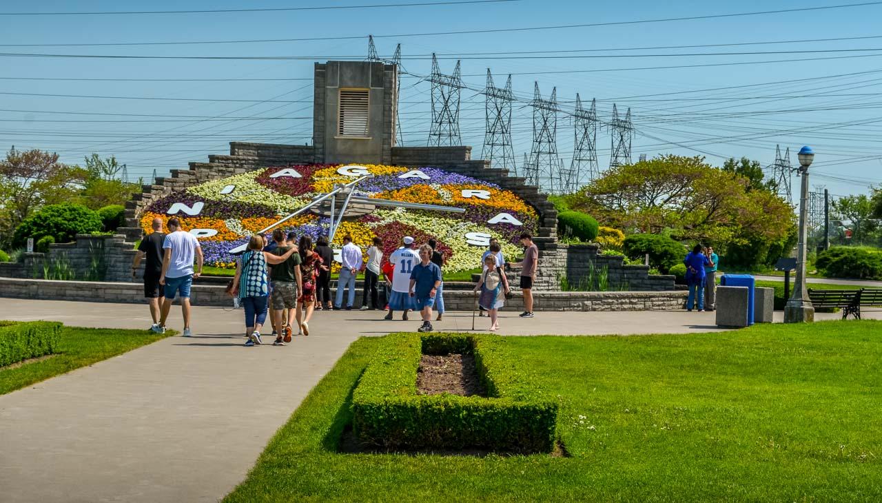 Floral-Clock Niagara-On-The-Lake – Photos and More