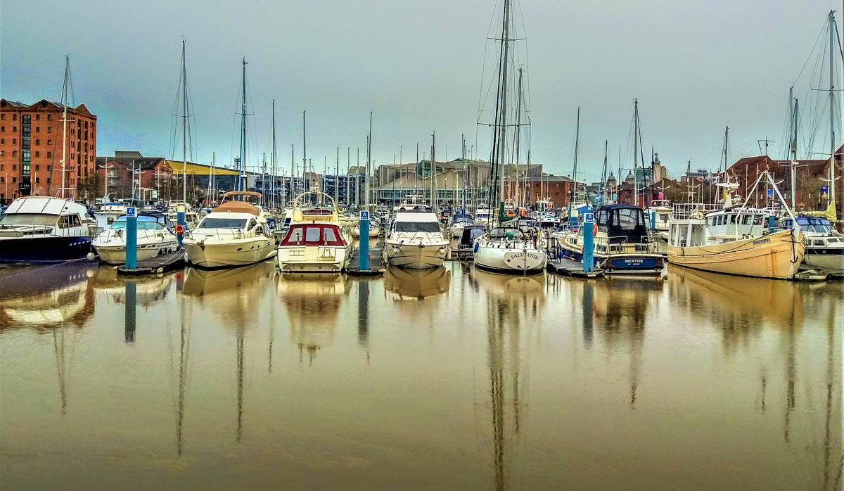 Hull Marina and A Walk Through the Cobbled Streets 1