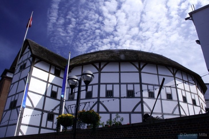 Globe theatre by the thames