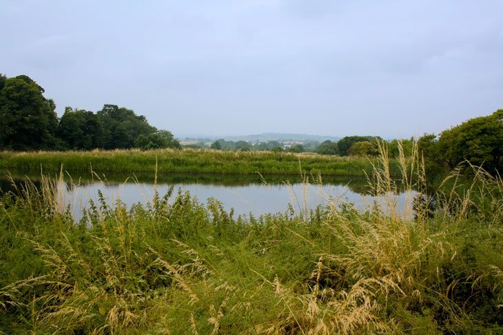 Wiltshire - Walking Along The Kennet and Avon Canal