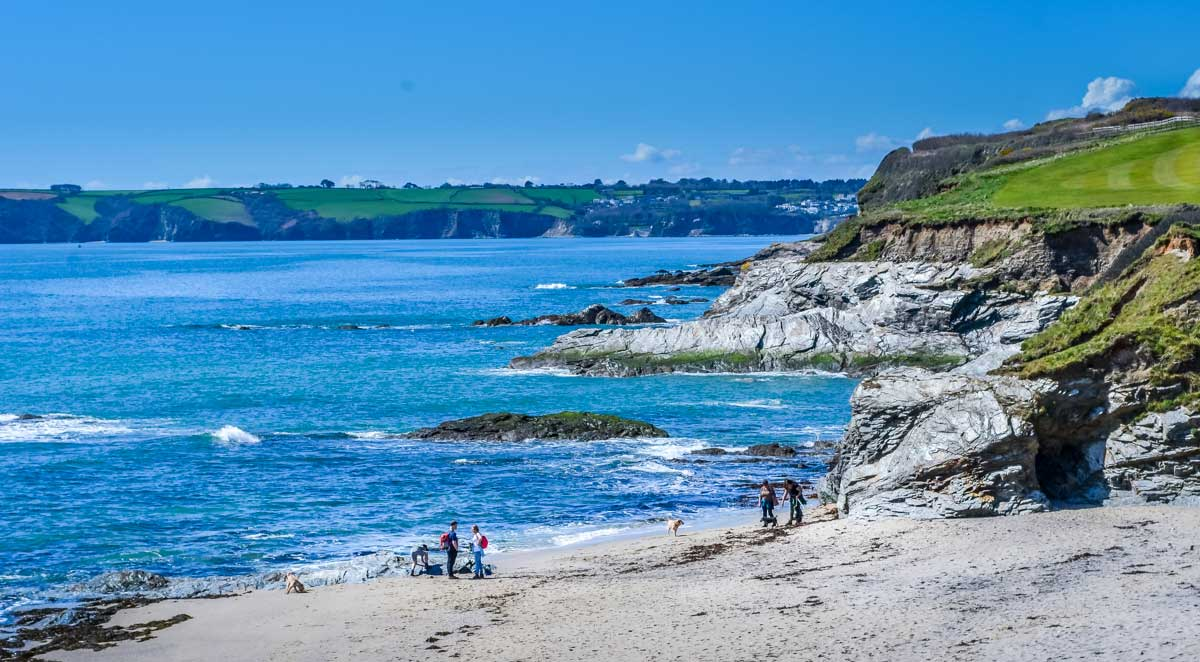 Leaving-the-beach-and-onwards-to-Par-for-coffee Cornish Coastal Walk - Carlyon Bay to Par via Cliffs, Beaches & Coves