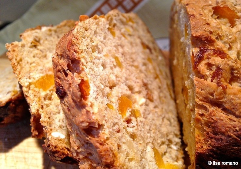 Apricot and Almond Wholemeal Loaf