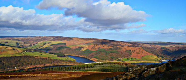 Looking-toward-Ladybower-from-Win-Hill-Pike1-728x312 Trending