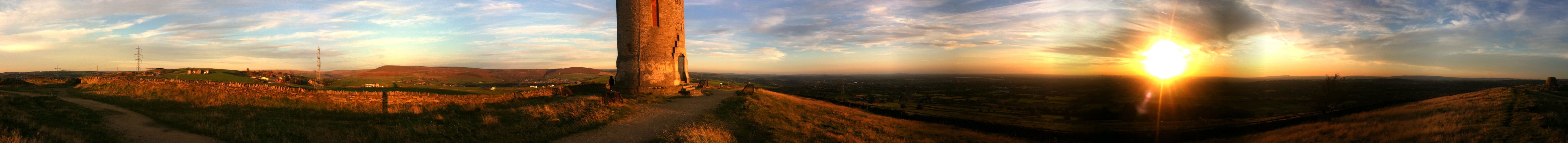 Manpano Hartshead Pike – The Edge of the Pennines at Dusk