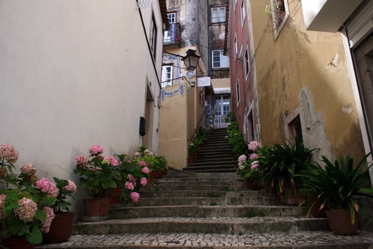 Narrow-Sintra-street Portugal: Sintra – A Fairy Tale Escape