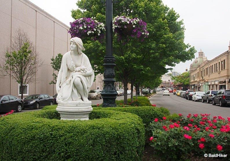 kansas statue in street