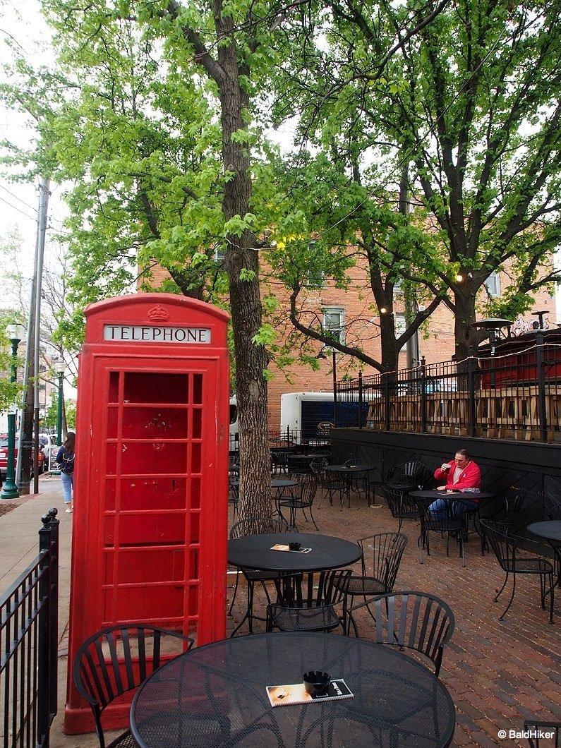english telephone box in Missouri