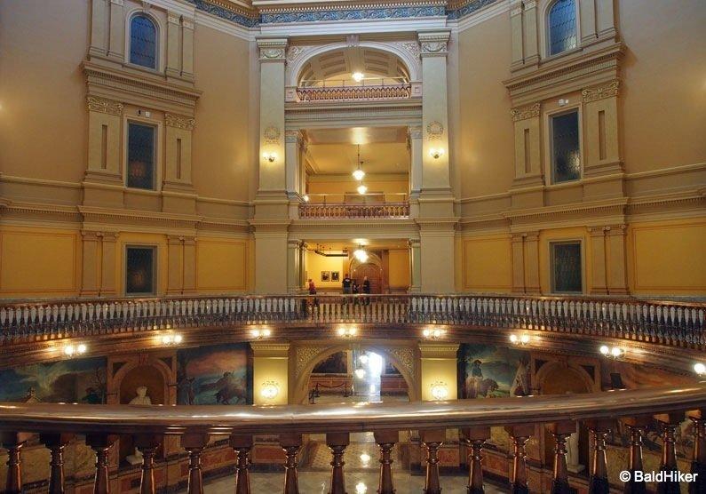 P5170334 Topeka: Kansas State Capitol Building