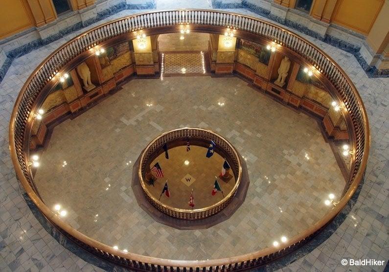 P5170355 Topeka: Kansas State Capitol Building