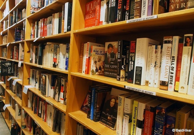 P5232083 Portland – Powell's City of Books