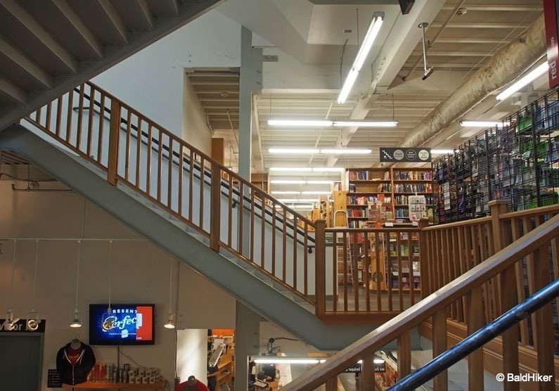 P5232087 Portland – Powell's City of Books