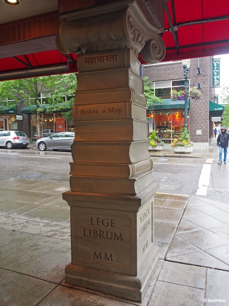 P5232088 Portland – Powell's City of Books