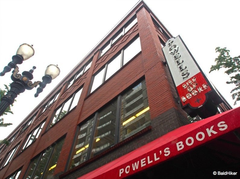P5232090 Portland – Powell's City of Books