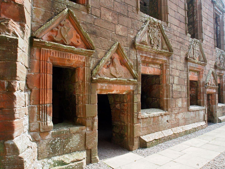 P62204121 Caerlaverock Castle – Scotland's fascinating medieval fortress