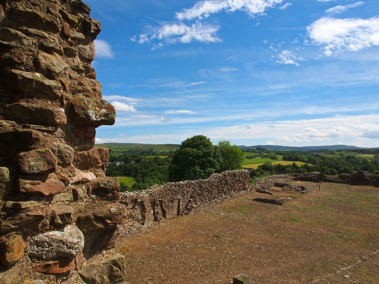 P71201721 Brough Castle – The history to a ruin