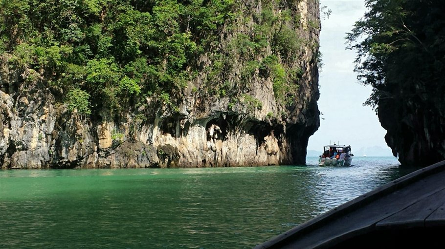 Pic 3 Sarah Rees Hong Island Lagoon Entrance- lagoon
