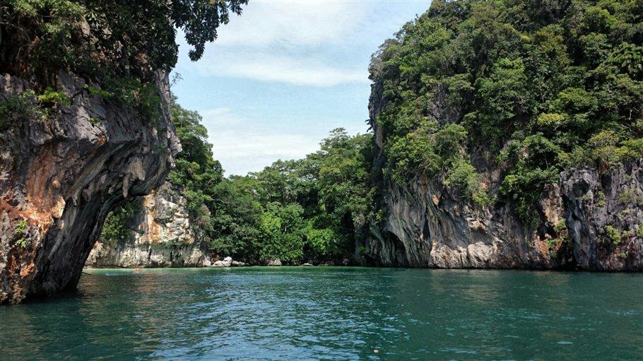 Pic 4 Sarah Rees Hong Island Lagoon- lagoon