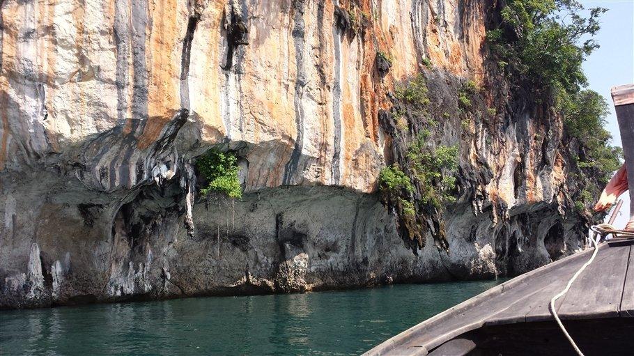 Pic 5 Sarah Rees Hong Island Lagoon Stripes- lagoon