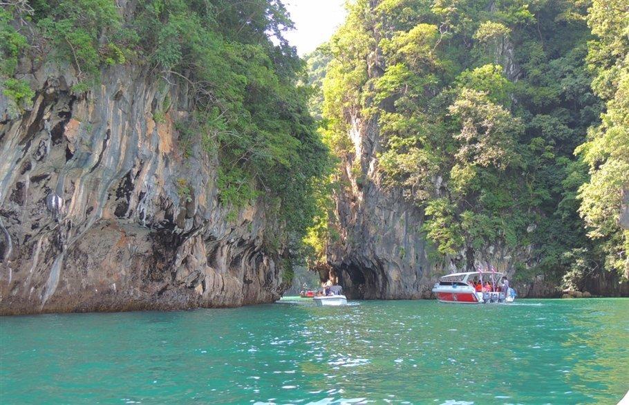 Pic 8 Sarah Rees Hong Island High Tide- lagoon