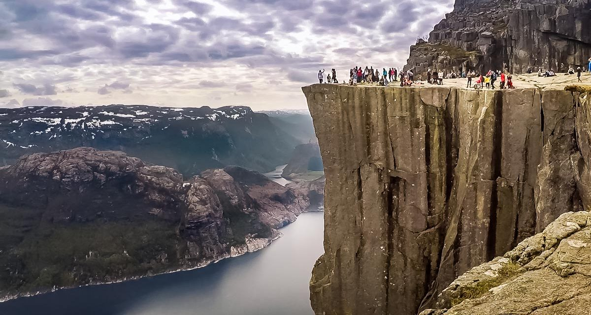 Norway – Hiking to Preikestolen (Pulpit Rock)