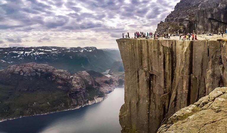 Norway – Hiking to Preikestolen (Pulpit Rock)
