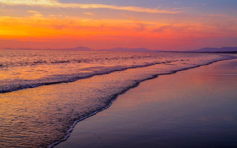 Barmouth sunset on the beach