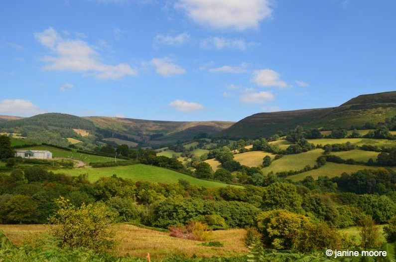 The-curves-of-South-Wales-Countryside-wales The Legend of the Welsh Black Mountains