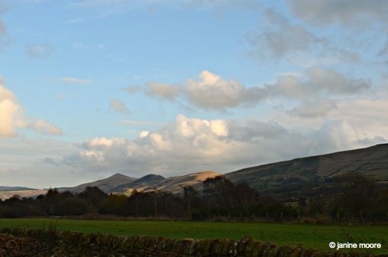 Very-last-pic-of-the-day-Castleton-Ridge Dark Hills and Green Dales – An Edale walk