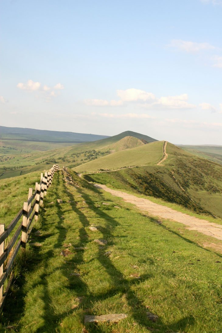 View4 English Hills – Look Out, Look Down and Wander Around