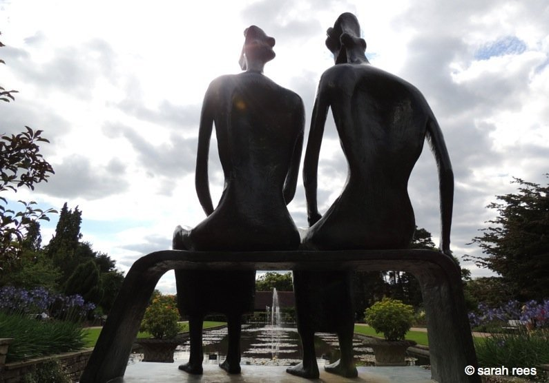 King and queen sculpture
